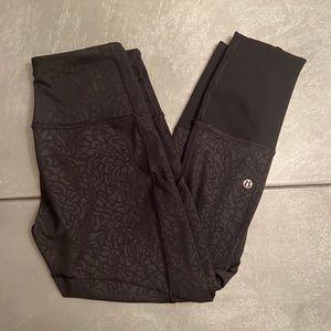 Women's black lululemon capri leggings